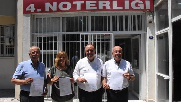 İzmirde CHPli delegeler, olağanüstü kurultay için imza verdi