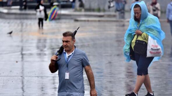 Fotoğraflar// İstanbulda sağanak yağış