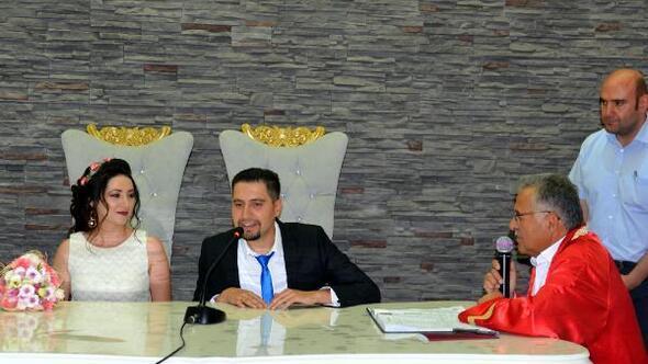 08.08.2018de nikah kıymak için 61 çift sıraya girdi