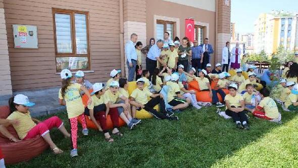 Başkan Büyükkılıç, öğrencilerle spor yaptı