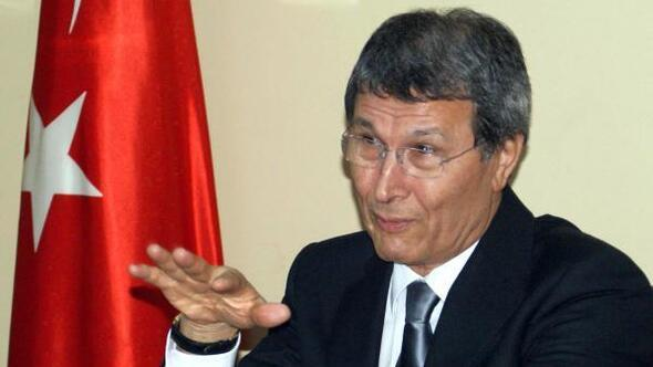 İYİ Parti'de 3 kurucu üye istifa etti
