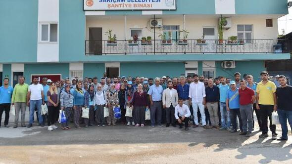 Sarıçam Belediye Başkanı Bilal Uludağ, çalışanlarıyla bayramlaştı