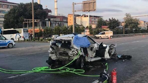 Otomobil ile minibüs çarpıştı: 2 ölü, 12 yaralı