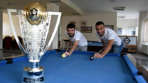 Altayda şampiyonlar kulübede