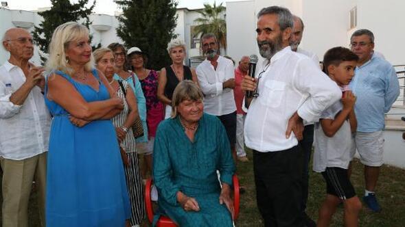 Habip Aydoğdunun Kırmızı Yolculuk sergisi açıldı