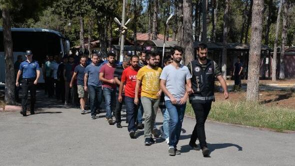Adanada 12 asker FETÖden tutuklandı