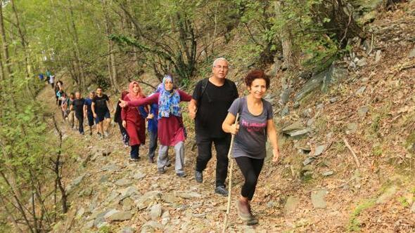 Amanos dağlarında doğa yürüyüşü