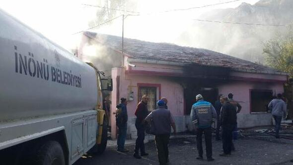 Eskişehirde doğal gaz patlaması: 2 yaralı