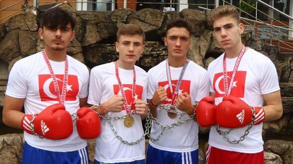 (ÖZEL) Şampiyon boksörlerden zincirli eylem