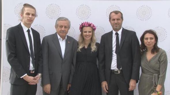 Saffet Sancaklı: Türkiye, dünya ile büyük bir savaş yapıyor