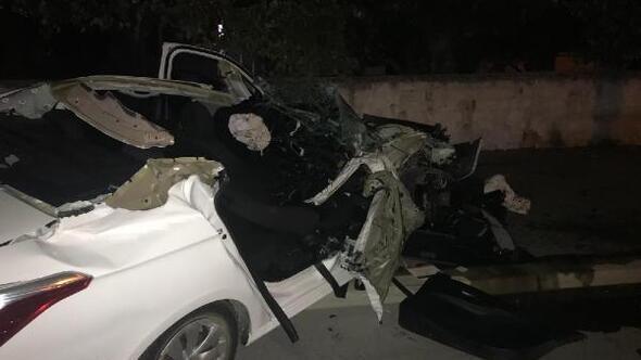 Otomobil taktör römorkuna çarptı: 1 ağır yaralı