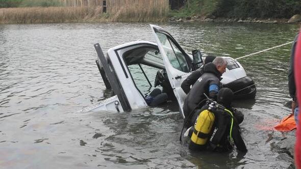 Kamyonet baraj gölüne uçtu, sürücü öldü
