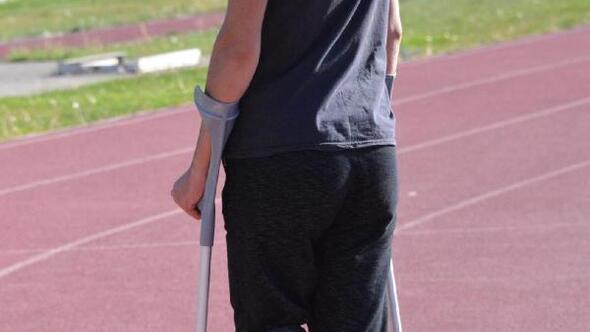 Esnek protez bacakla olimpiyatta koşmak istiyor