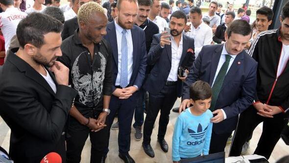 Diyarbakırda Ahmet Dursun ve Yattaraya büyük ilgi