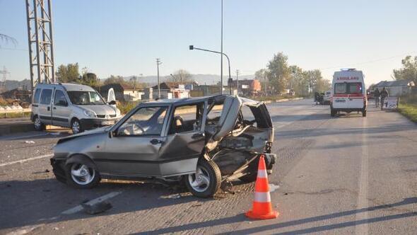 Akyazıda kaza: 5 yaralı