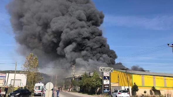 Adapazarında fabrika yangını (1)