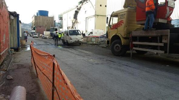 Erdemirde azot temizliği sırasında 6 işçi ve 2 sağlık personeli hastanelik oldu