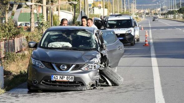 Otomobil, TIRla çarpıştı: 1 yaralı