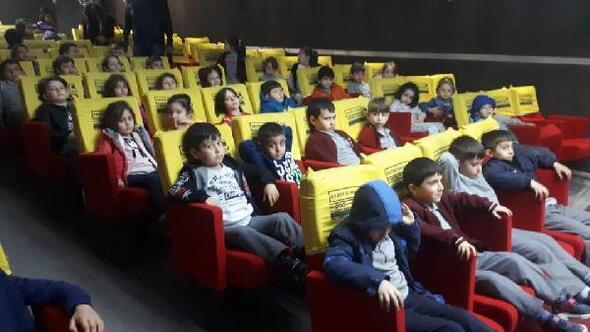 Yusufelinde öğrenciler sinema ile buluştu