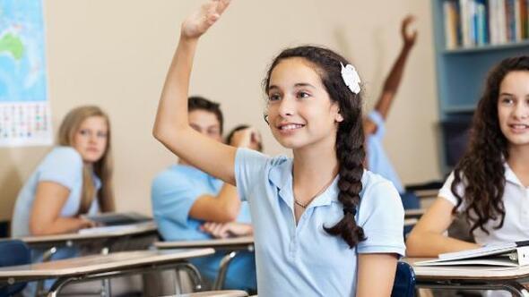 """Kız öğrencilereOrkid'den""""OkulaDevam"""" desteği"""
