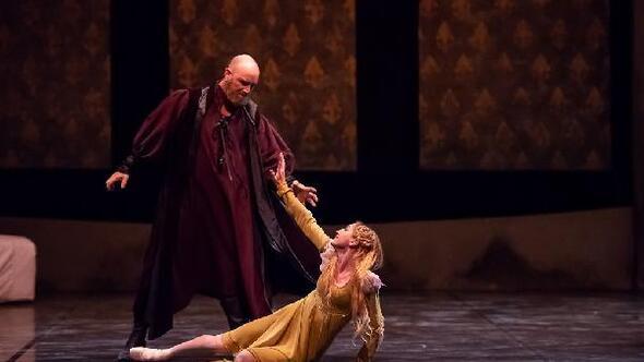 Romeo ve Julietin ölümsüz aşkı sahnede