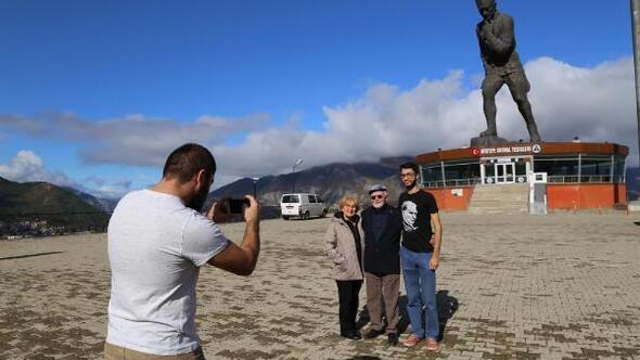 Türkiyenin en büyük Atatürk Anıtı, ziyaretçi sayısıyla Artvinde ilk sırada