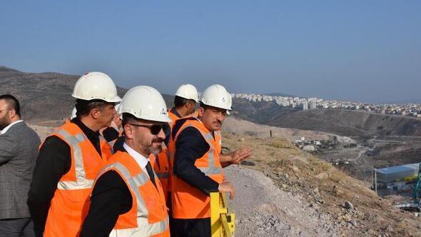 AK Partili Dağdan şehir hastanesi inşaatında inceleme