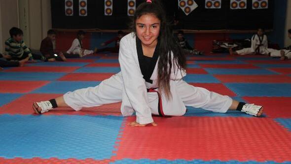 (Özel) Tek kollu Para-Taekwondocu Büşranın hedefi büyük