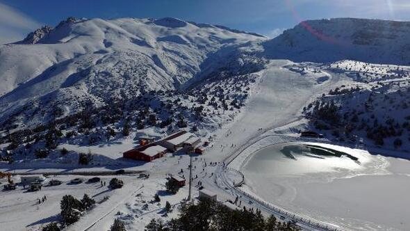 Doğu Anadoluda 270 köy yolu kardan kapandı