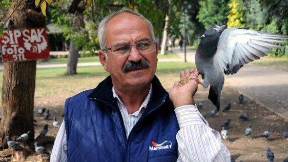 İş kazasında kolunu kaybetti, güvercinlerle hayata tutundu