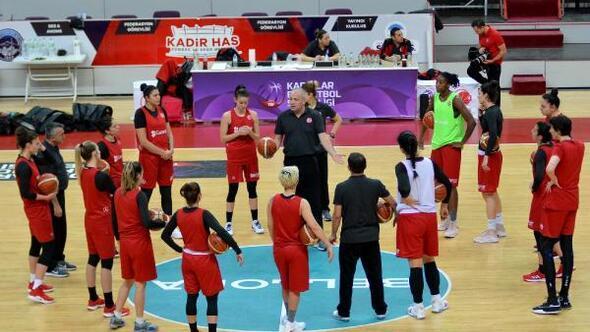 A Milli Kadın Basketbol Takımı, Belarus maçının hazırlıklarına başladı