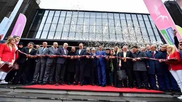 Beylikdüzü Atatürk Kültür ve Sanat Merkezi açıldı
