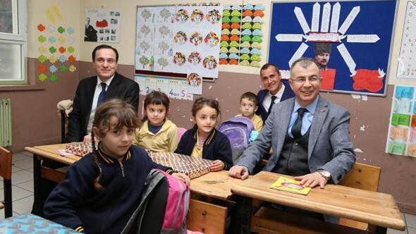 Vali Doruk'tan, Gürcistan sınırında görev yapan öğretmenlere sürpriz ziyaret
