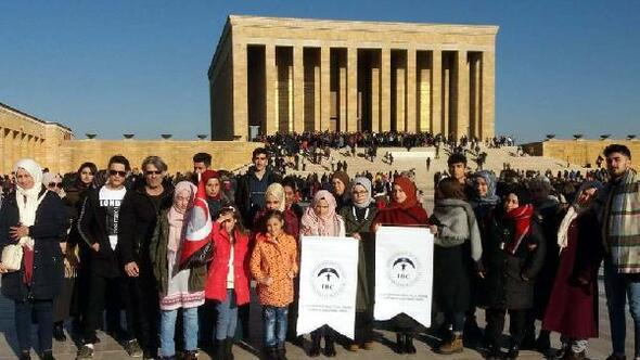 Suriyeli öğrenciler ve aileleri Atanın huzuruna çıktı