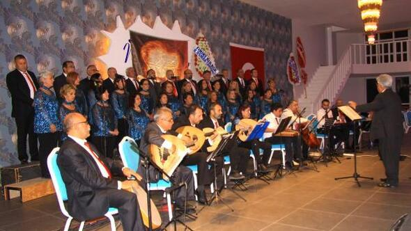 Finike Ziraat Odası Korosundan konser