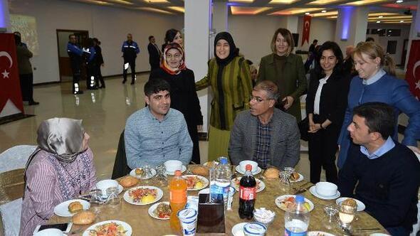 Beyhan Demirtaş, şehit aileleri ile buluştu