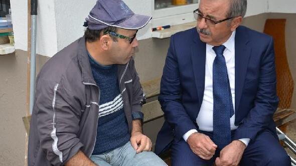 Belediye başkanından yürüme zorluğu çeken Erkan Cana tekerlekli sandalye