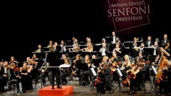 Senfoniden konuk solistler konseri