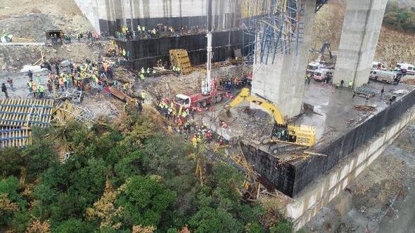 Gebzede viyadük inşaatı sırasında beton blok düştü; 4 işçi enkaz altında kaldı/ Ek fotoğraflar