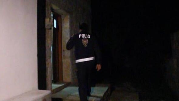 Villada sera kurup, Hint keneviri yetiştiren 2 kişiye gözaltı