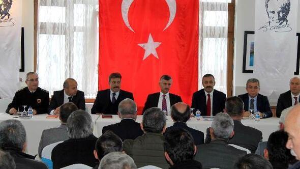 Zonguldak valisi muhtarları dinledi