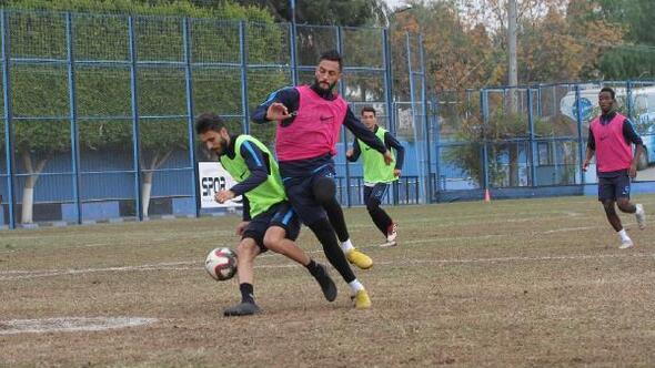 Adana Demirspor antrenman yaptı