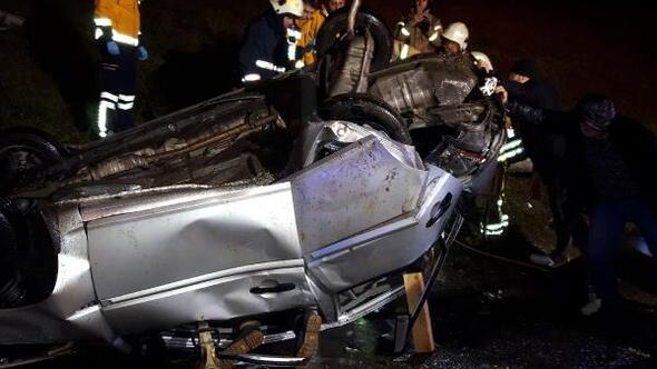 TEM Otoyolunda otomobil takla attı: 5 yaralı