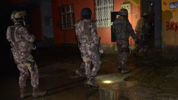 Terör örgütü PKK/KCK opersayonunda yakalanan şüpheliler adliyeye sevk edildi
