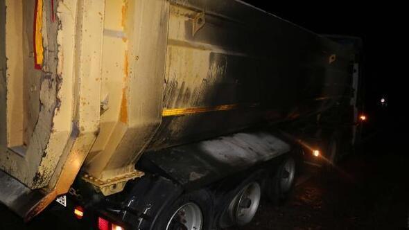 Freni boşalan kamyonun kamyonun lastikleri yandı
