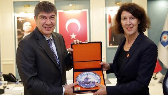 Hollanda Büyükelçisi, Türeli ziyaret etti