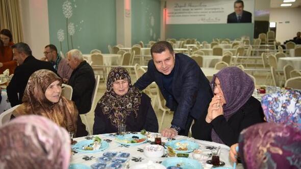 Başkan Kuzu, Hacılarla bir araya geldi