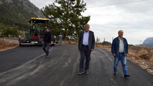 Yarbaşçandır ve Çitdibinde yollara sıcak asfalt