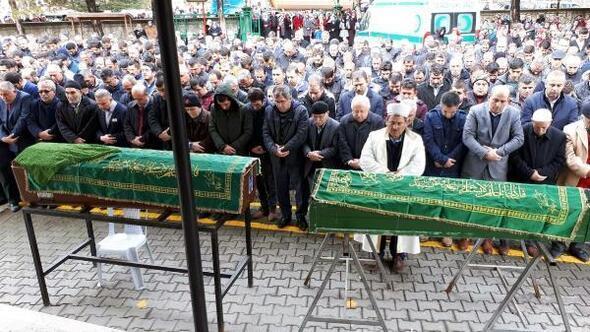 Ankara'da, kazada ölen anne ve oğlu toprağa verildi