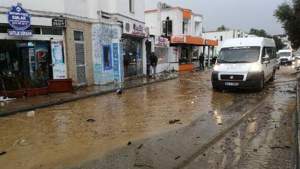 Denizdeki hortumun ardından Bodrumu yağmur ve dolu vurdu/ Ek fotoğraflar